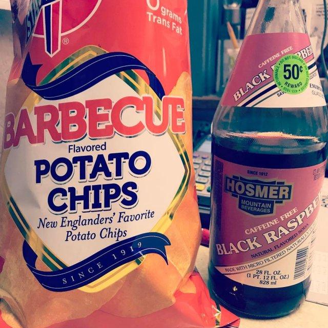 stateline bbq chips blackraspberry hosmersoda drinkhosmer drinklocal eatlocal